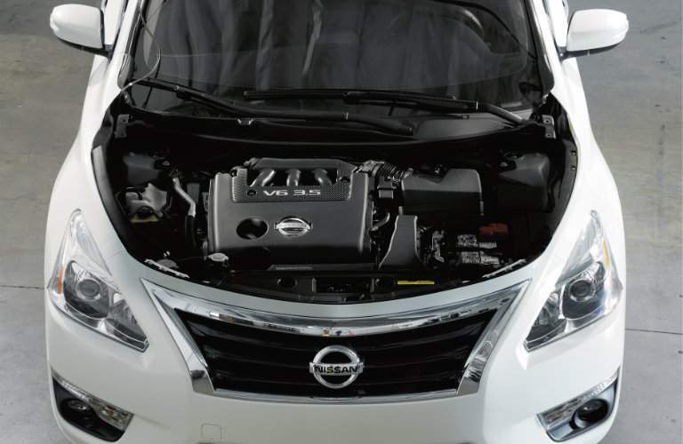 2018 Nissan Altima Engine in hood