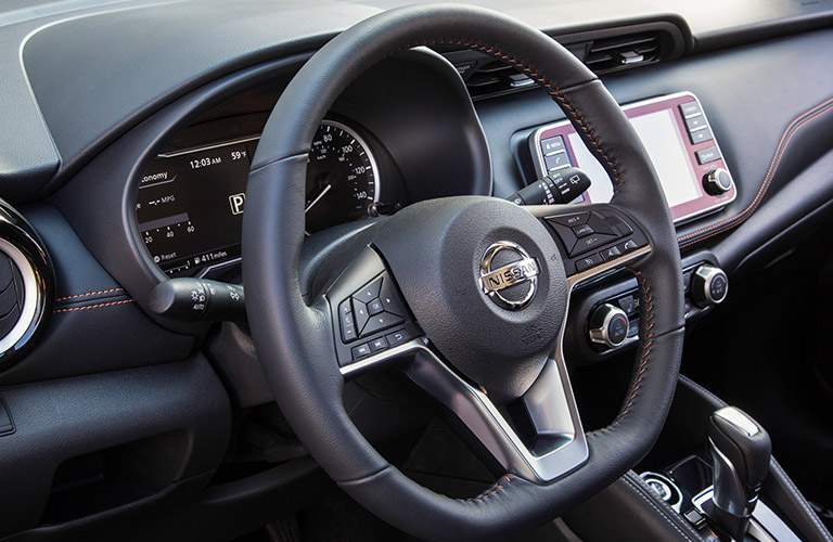 2018 Nissan Kicks steering wheel with contrast stitching