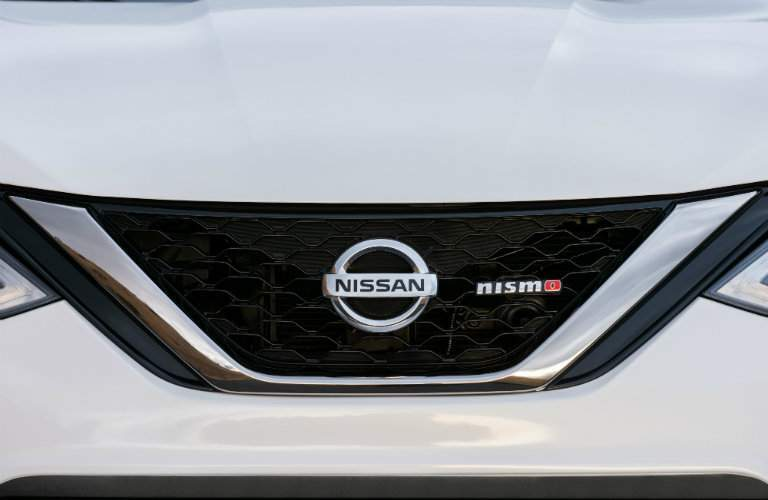 White 2018 Nissan Sentra Nismo front end