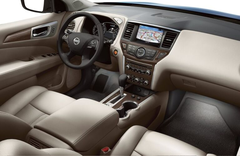 Cockpit view in the 2018 Nissan Pathfinder