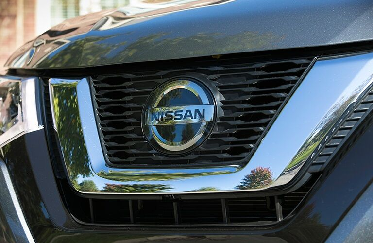 Front grille of the 2018 Nissan Rogue