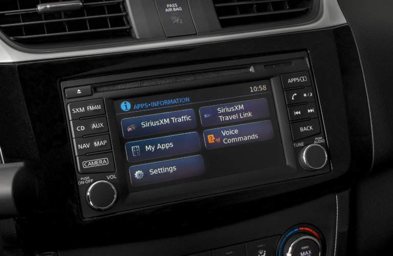 2018 Nissan Sentra SR Turbo Infotainment display