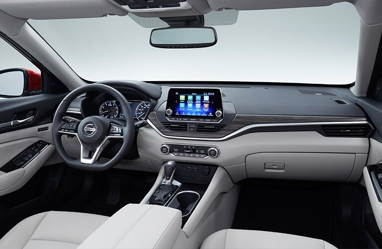 Cockpit view in the 2019 Nissan Altima