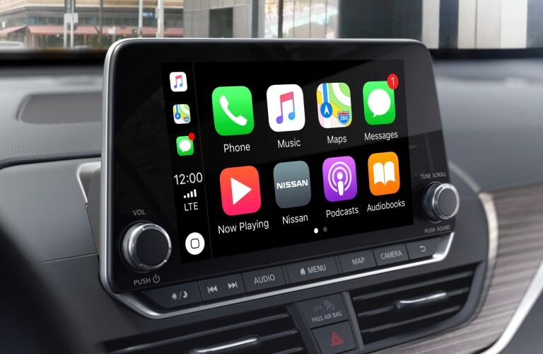 Apple CarPlay in the 2019 Nissan Altima