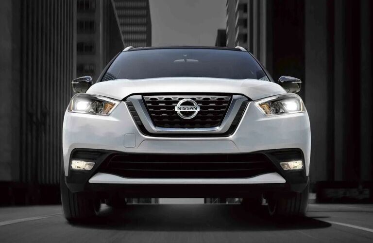 Front view of a white 2019 Nissan Kicks