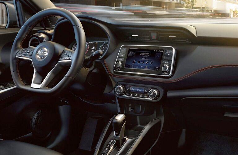 Steering wheel and dashboard in the 2019 Nissan Kicks