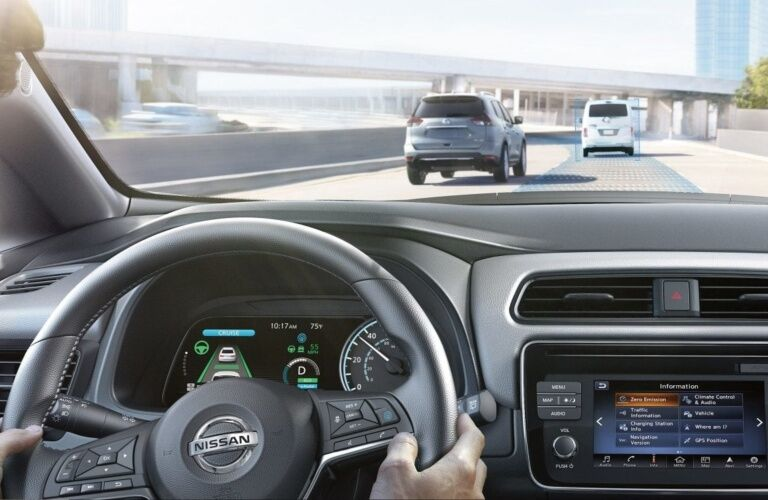 Cockpit view in the 2019 Nissan LEAF