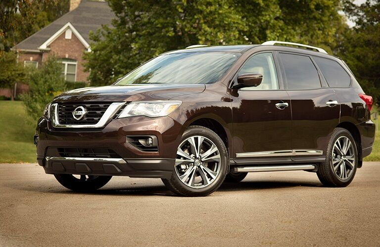 Side view of a 2019 Nissan Pathfinder