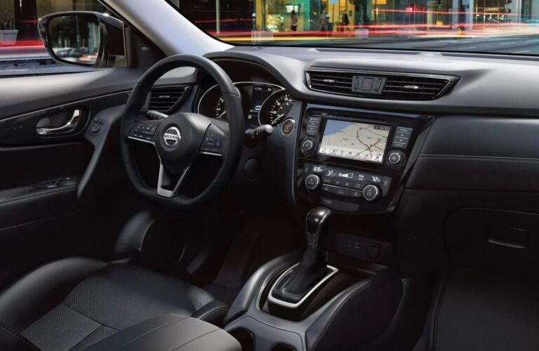Steering wheel and infotainment system in the 2019 Nissan Rogue