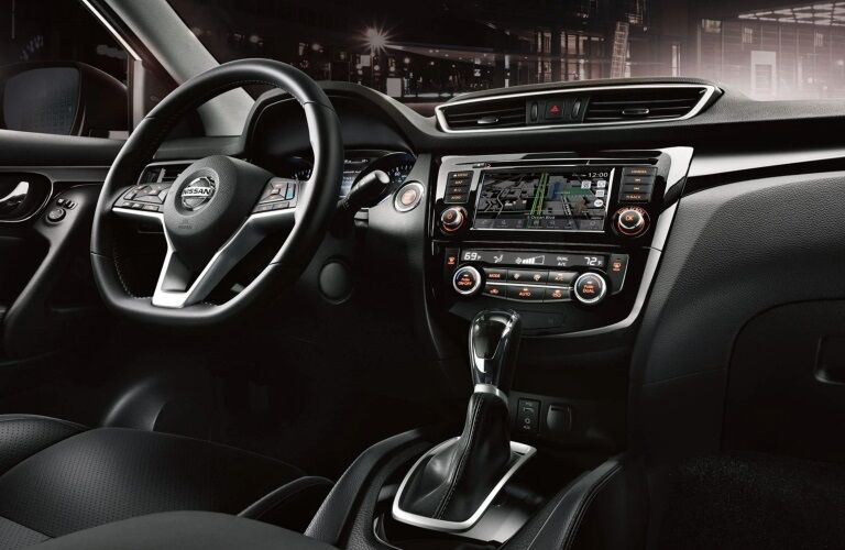 Cockpit view in the 2019 Nissan Rogue Sport