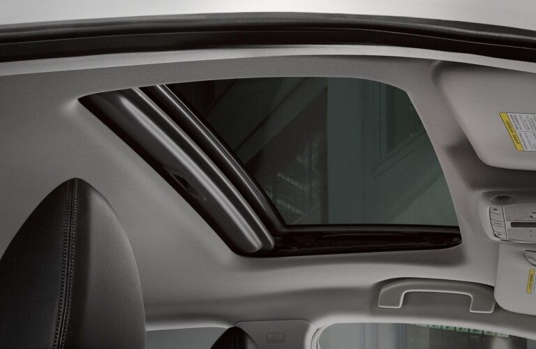 Moon roof in the 2019 Nissan Rogue Sport