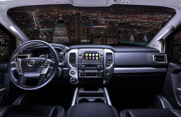 Cockpit view in the 2019 Nissan TITAN