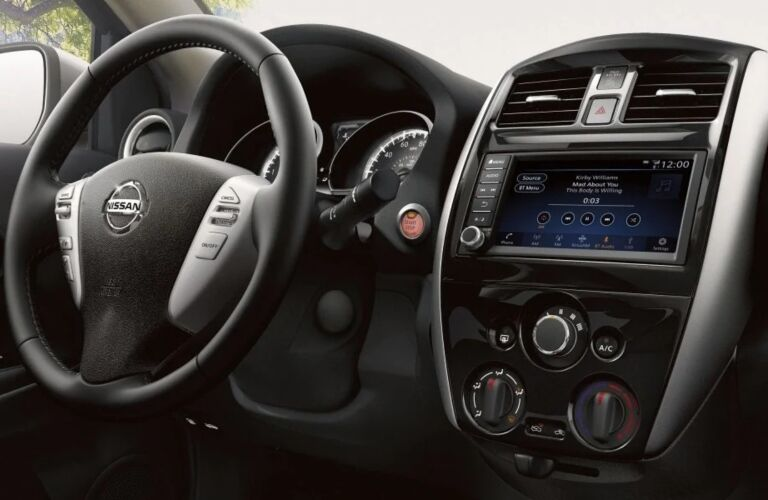 Steering wheel and infotainment system in the 2019 Nissan Versa