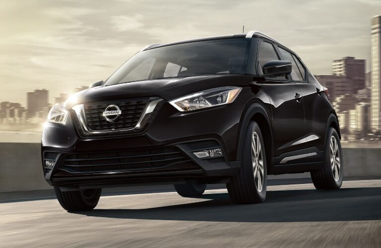 Front view of a black 2019 Nissan Kicks