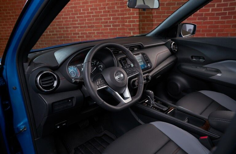 2021 Nissan Kicks steering wheel