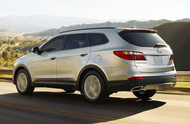 exterior of the elegant 2017 Hyundai Santa Fe