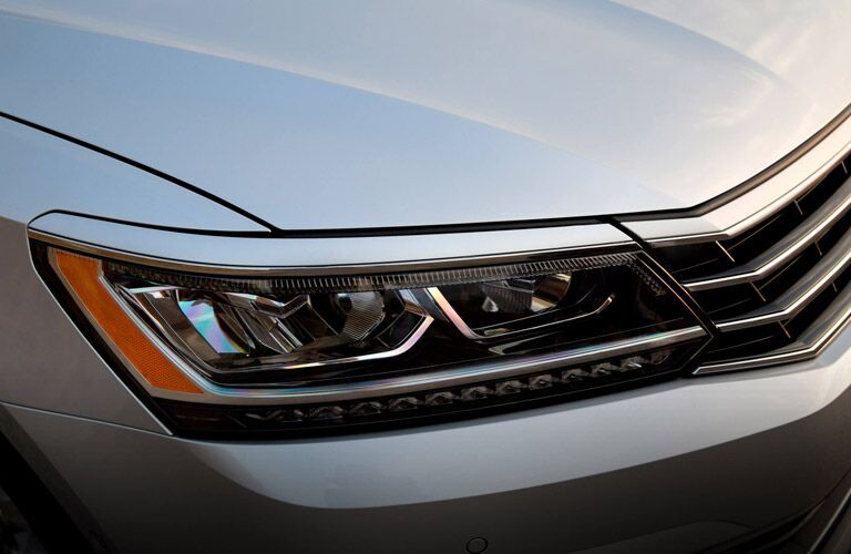 freshly designed headlights and grille of 2016 vw passat