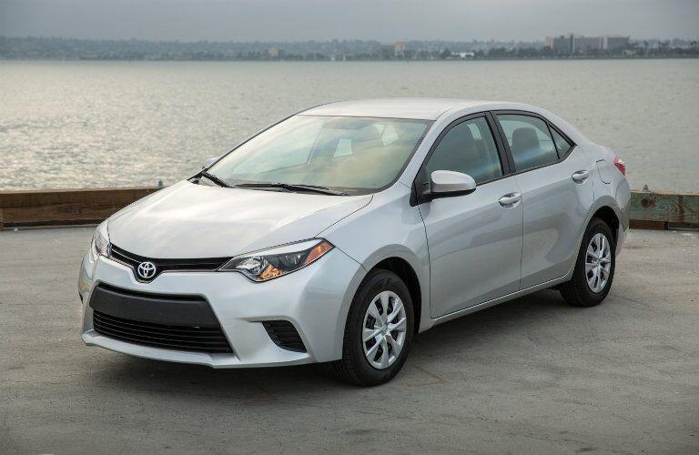 2016 Toyota Corolla specifications vs Jetta
