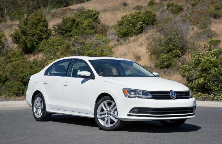 front view and grille volkswagen jetta
