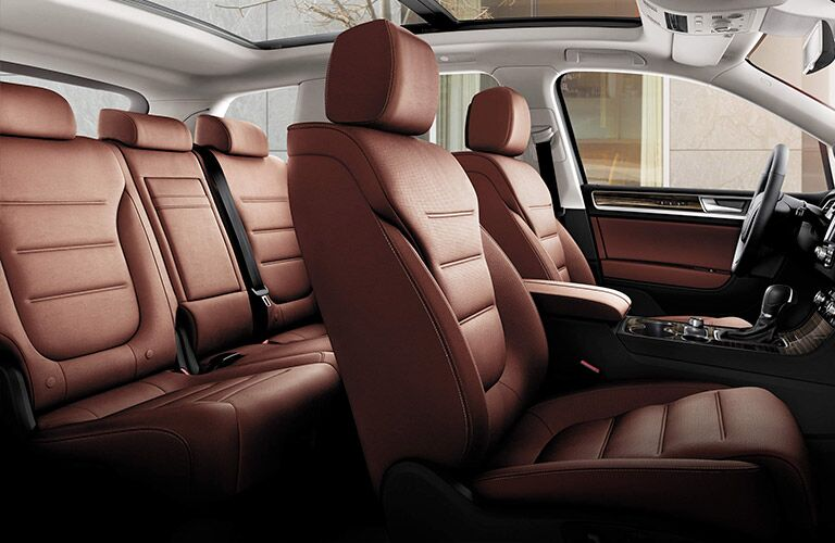 front and rear seating of vw touareg