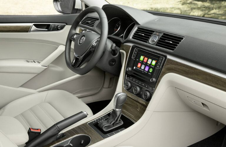 2016 VW Passat interior technology and features