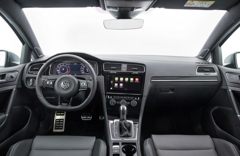 Steering wheel and dashboard in the 2019 VW Golf R