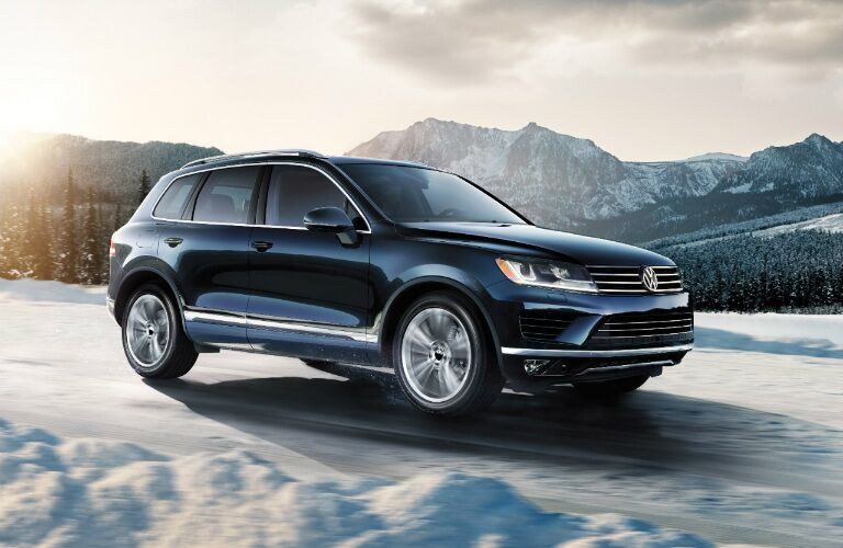 2017 volkswagen tiguan vs 2017 volkswagen touareg. Black Bedroom Furniture Sets. Home Design Ideas