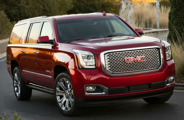 Front profile of 2016 GMC Yukon XL