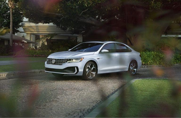 2022 Volkswagen Passat parked on a road