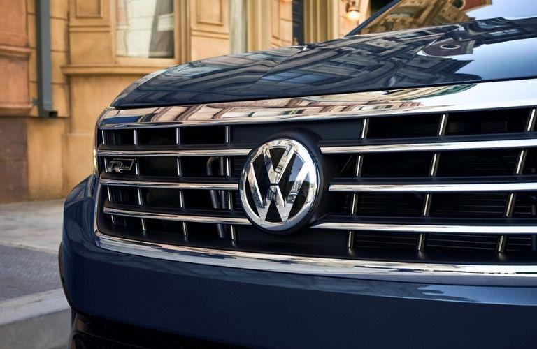 2022 Volkswagen Passat Front Logo