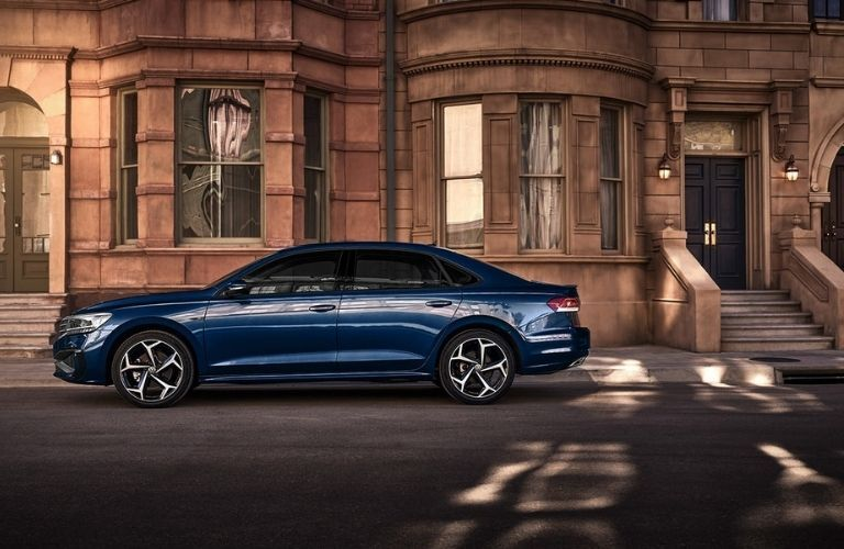 2022 Volkswagen Passat Side View