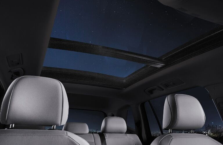 2021 Tiguan panoramic sunroof showcase