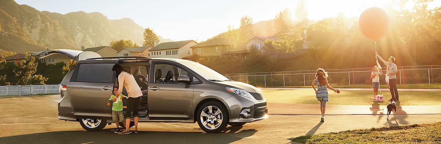 Pre Owned Toyota Sienna for Sale in Calumet, IL
