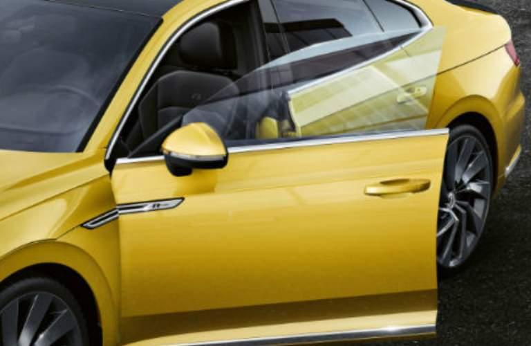 2018 VW Arteon side windows