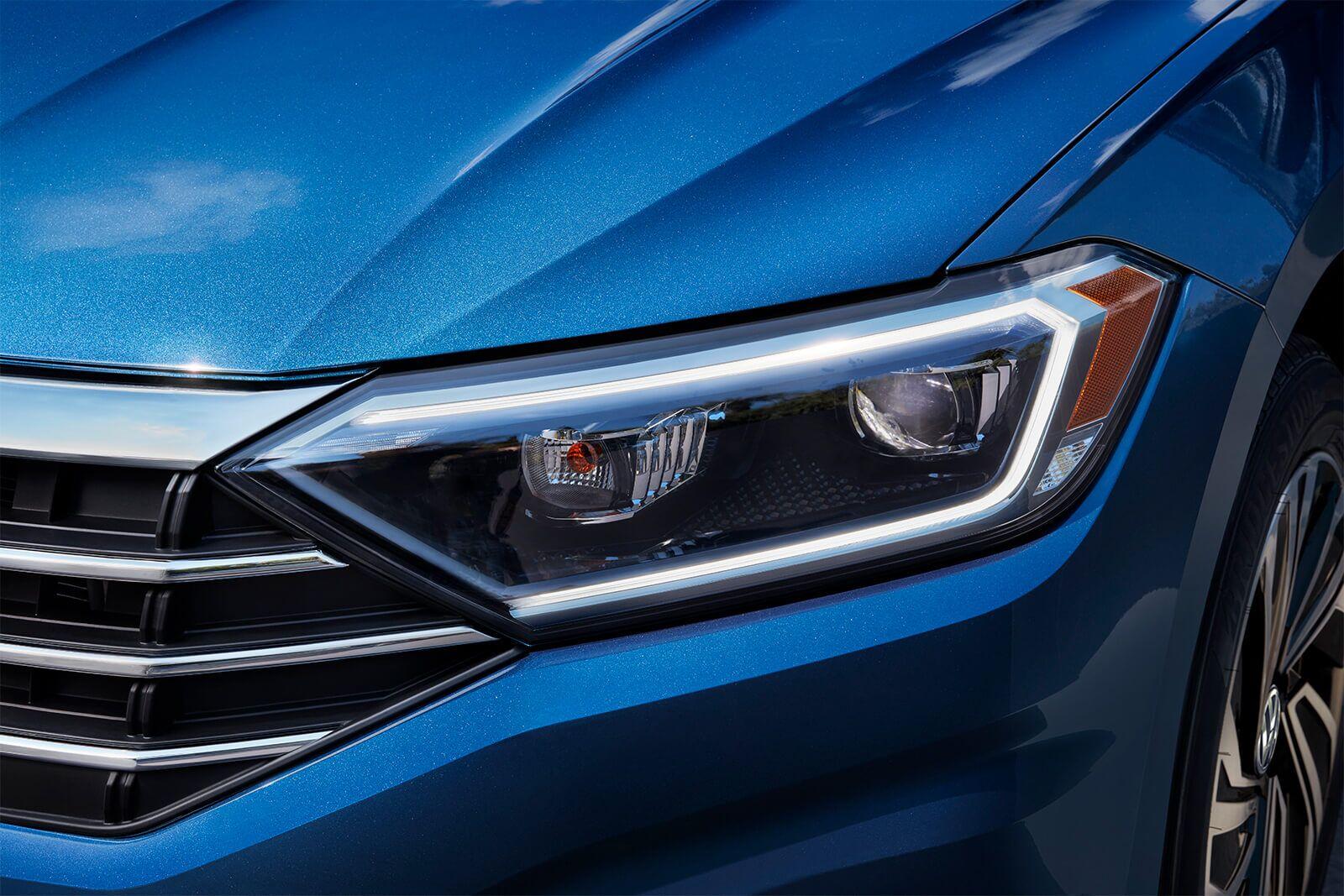 New 2019 Volkswagen Jetta LED headlights