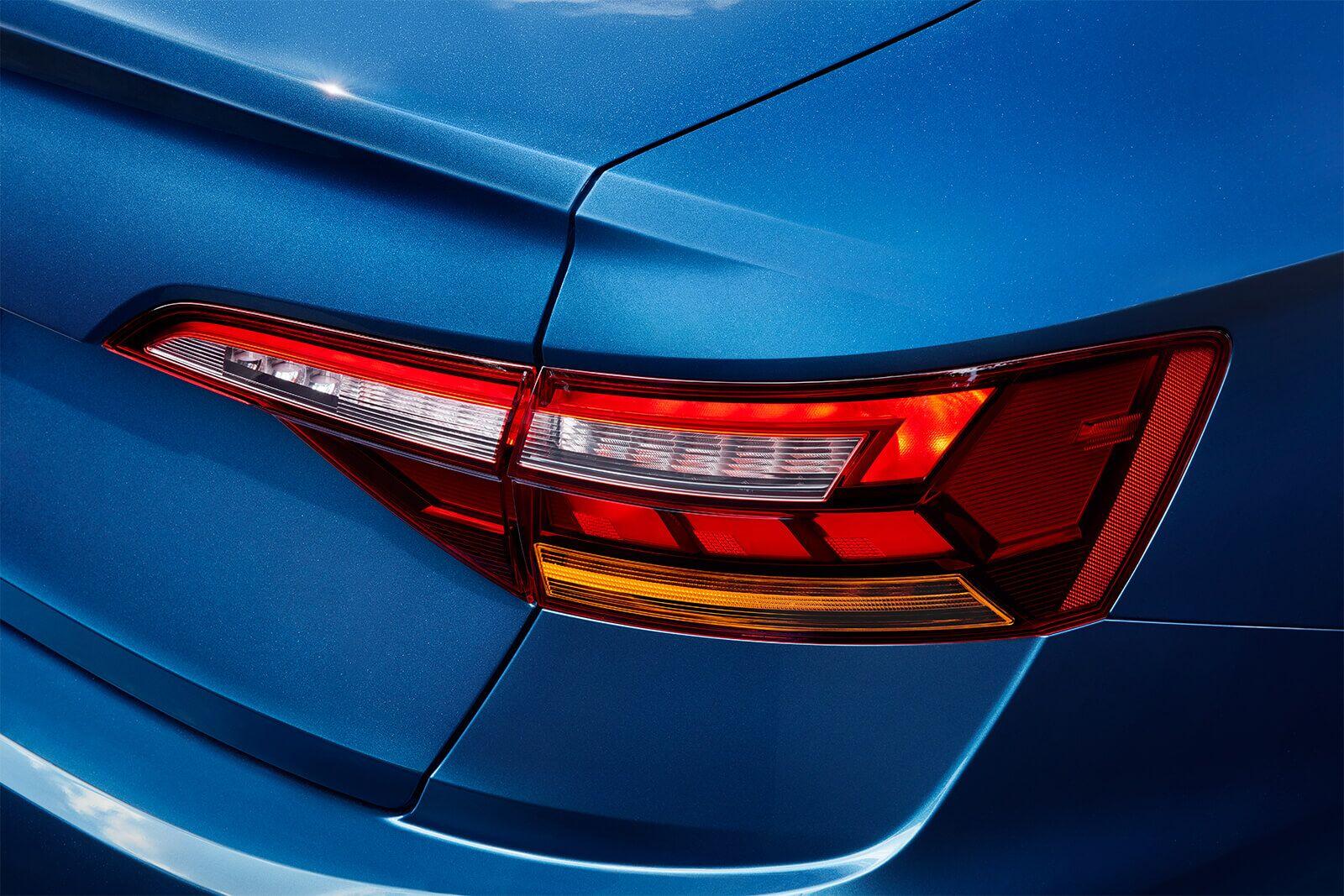 New 2019 Volkswagen Jetta LED taillights