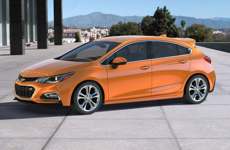 2018 Chevy Cruze hatch side view