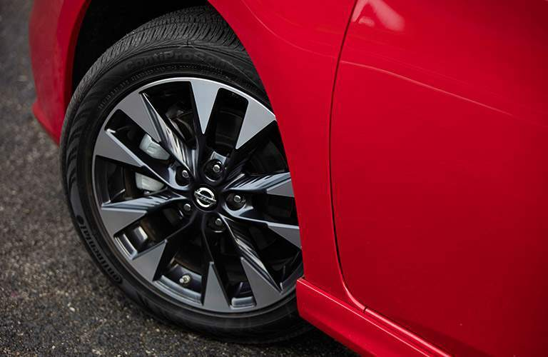 2017 Nissan Sentra wheels