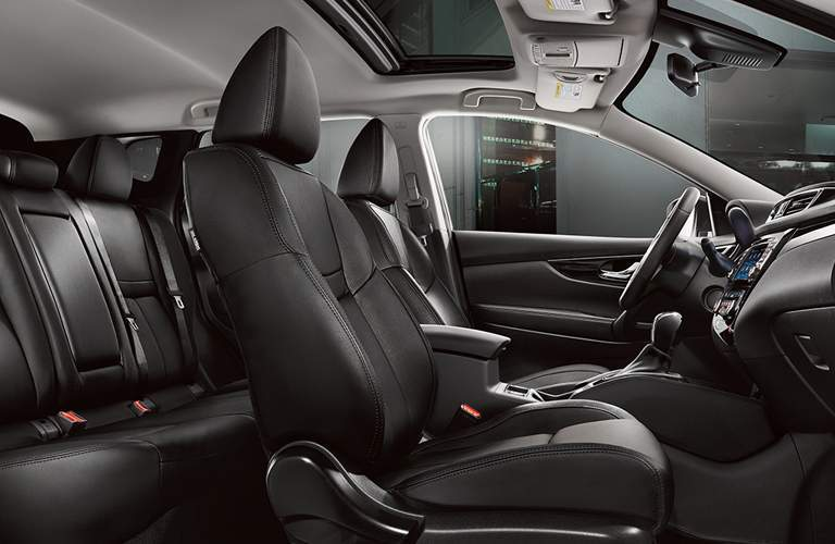 front and rear seats of 2018 nissan rogue sport