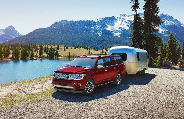 2021 Ford Expedition towing trailer