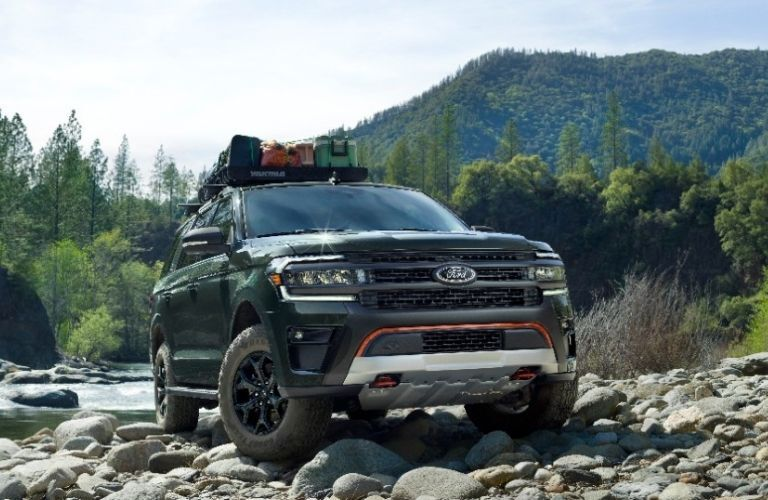2022 Ford Expedition front look