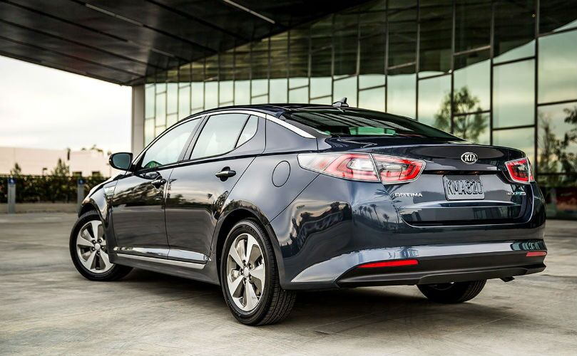 2015 Kia Optima Hybrid vs 2015 Toyota Prius hybrid fuel economy Friendly Kia of New Port Richey Tampa Clearwater Spring Hill Trinity FL
