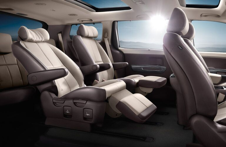 2016 Kia Sedona second-row lounge seating New Port Richey FL