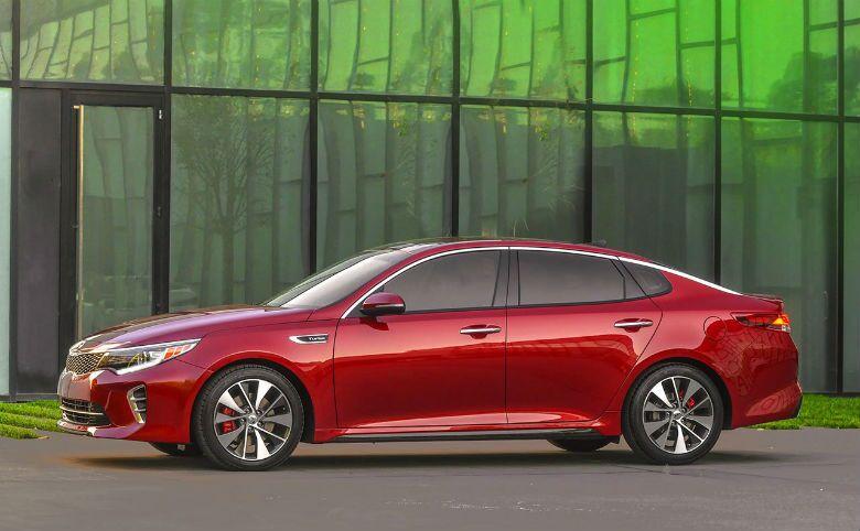 2016 Kia Optima vs 2016 Honda Accord midsize sedans performance sound systems passenger room
