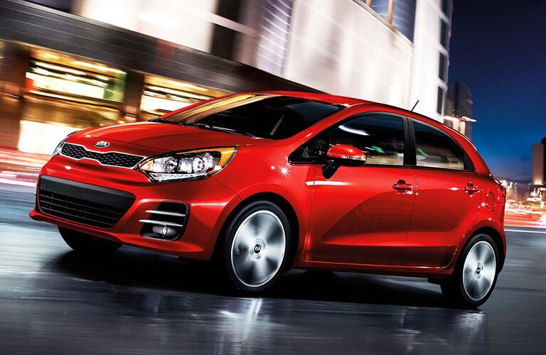 2016 Kia Rio 5-door vs. 2016 Honda fit Friendly Kia Tampa New Port Richey St. Petersburg FL
