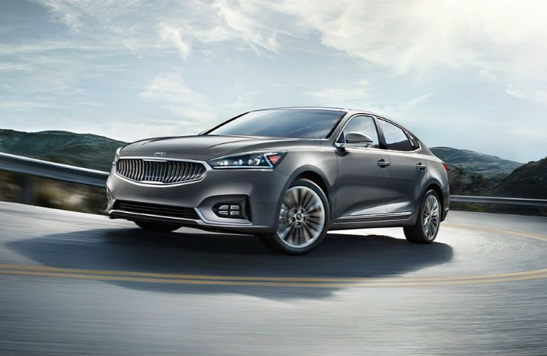 Kia Cadenza vs. Toyota Avalon Friendly Kia Tampa St. Petersburg FL