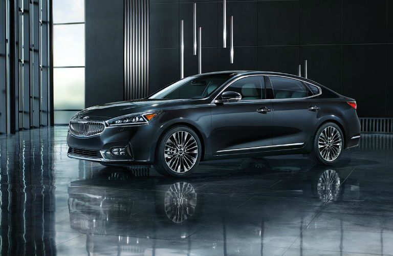 2018 kia cadenza in black