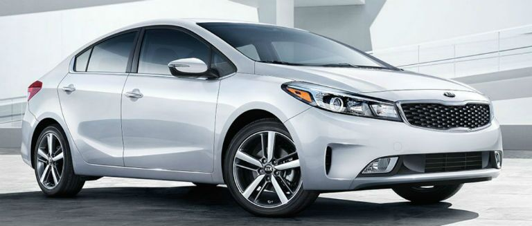 2018 kia forte in white