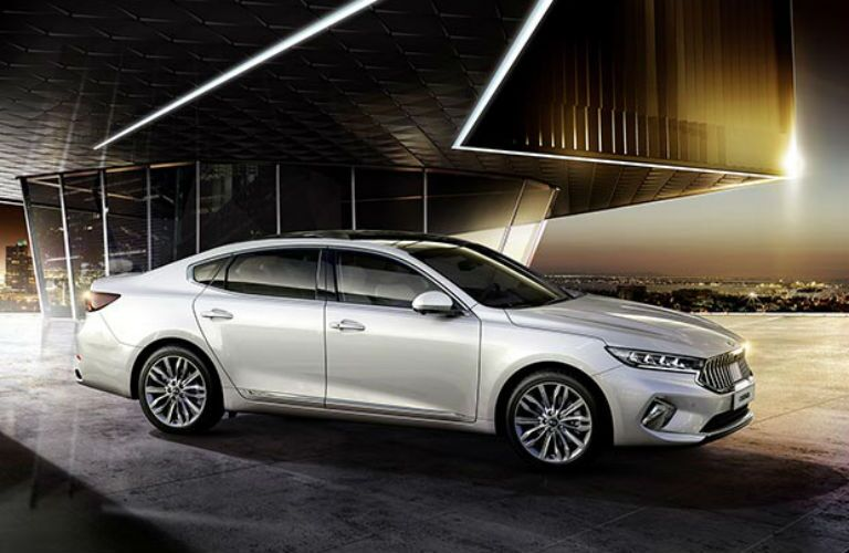 Side view of 2020 Kia Cadenza