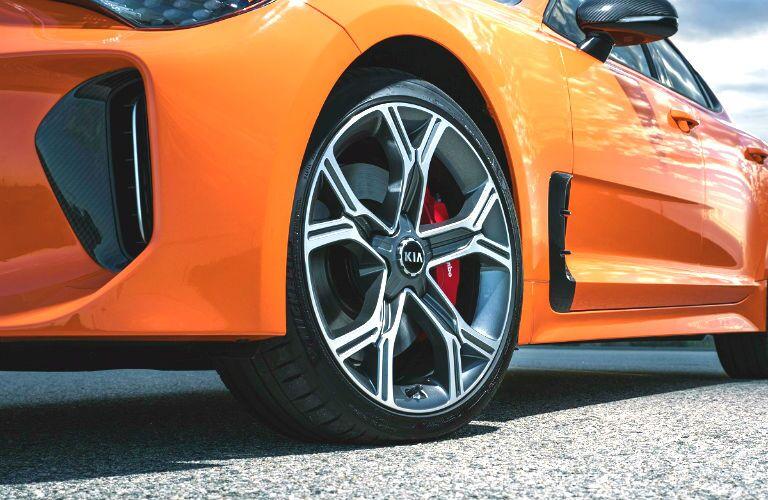 wheel design of 2020 kia stinger gts